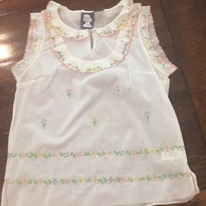 Delicate floral embroidery top